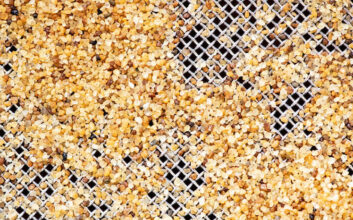 High purity silica sand retained on a 500micron stainless steel woven wire mesh sieve.